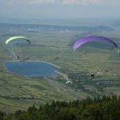Dealul Clopotiva pentru belvedere şi salturi cu parapanta